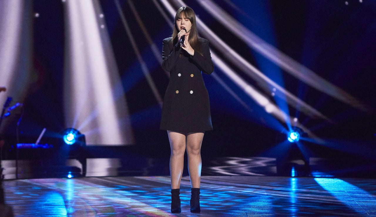 Rocío Hernández cautiva con su voz cantando 'Homeless' en las Audiciones a ciegas de 'La Voz'