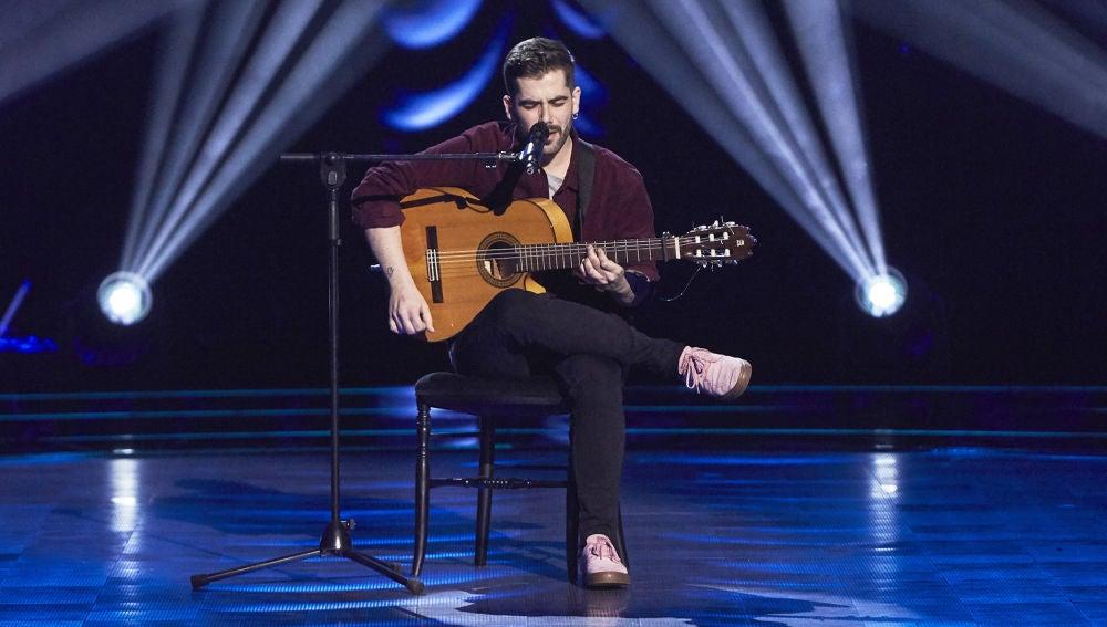 Miguelichi López emociona con 'Lágrimas Negras' en las Audiciones a ciegas de 'La Voz'