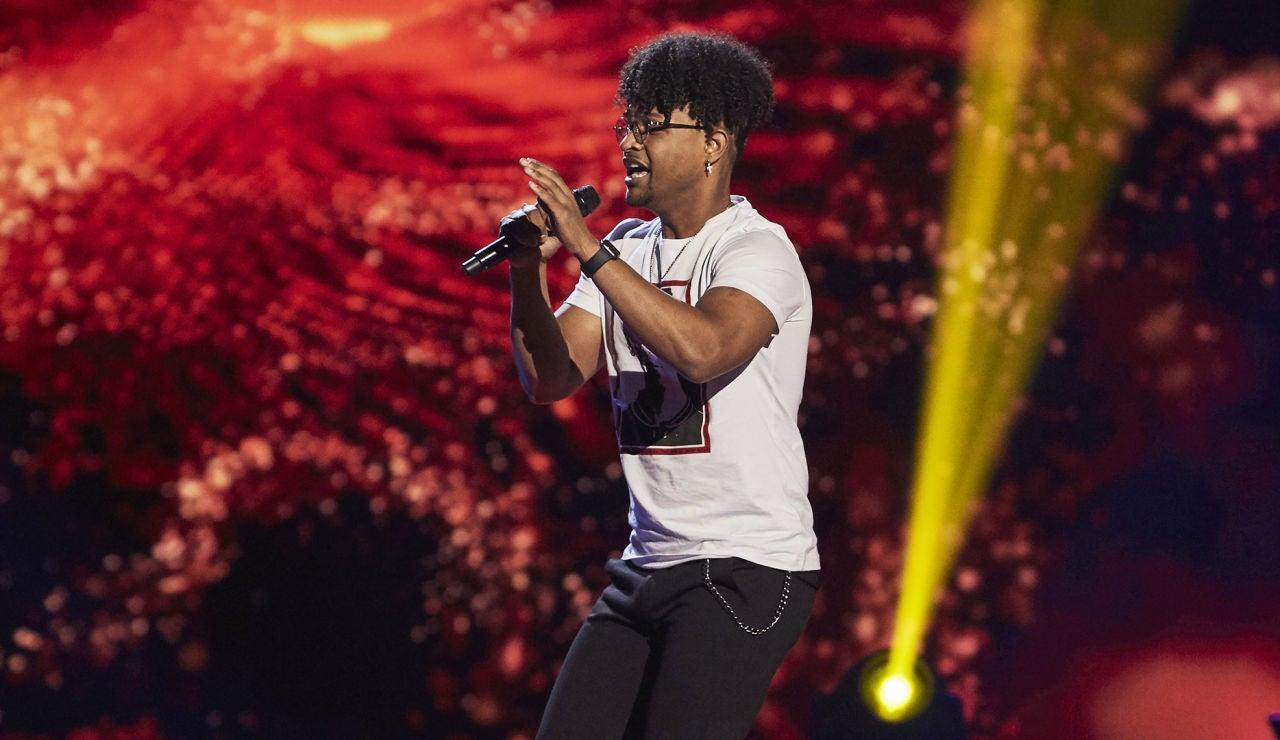 Melo nos contagia con su ritmo cantando 'La carretera' en las Audiciones a ciegas de 'La Voz'
