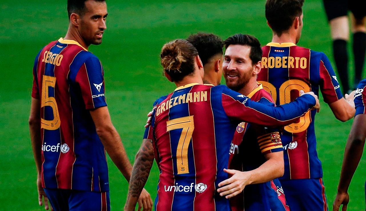 Los jugadores del Barcelona celebran el gol de Griezmann