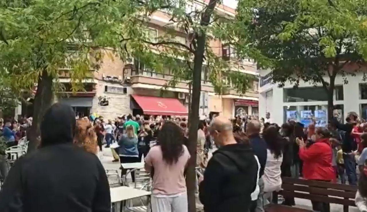 """Vecinos de municipios y distritos con restricciones de movilidad en Madrid se manifiestan por """"la dignidad del sur"""""""
