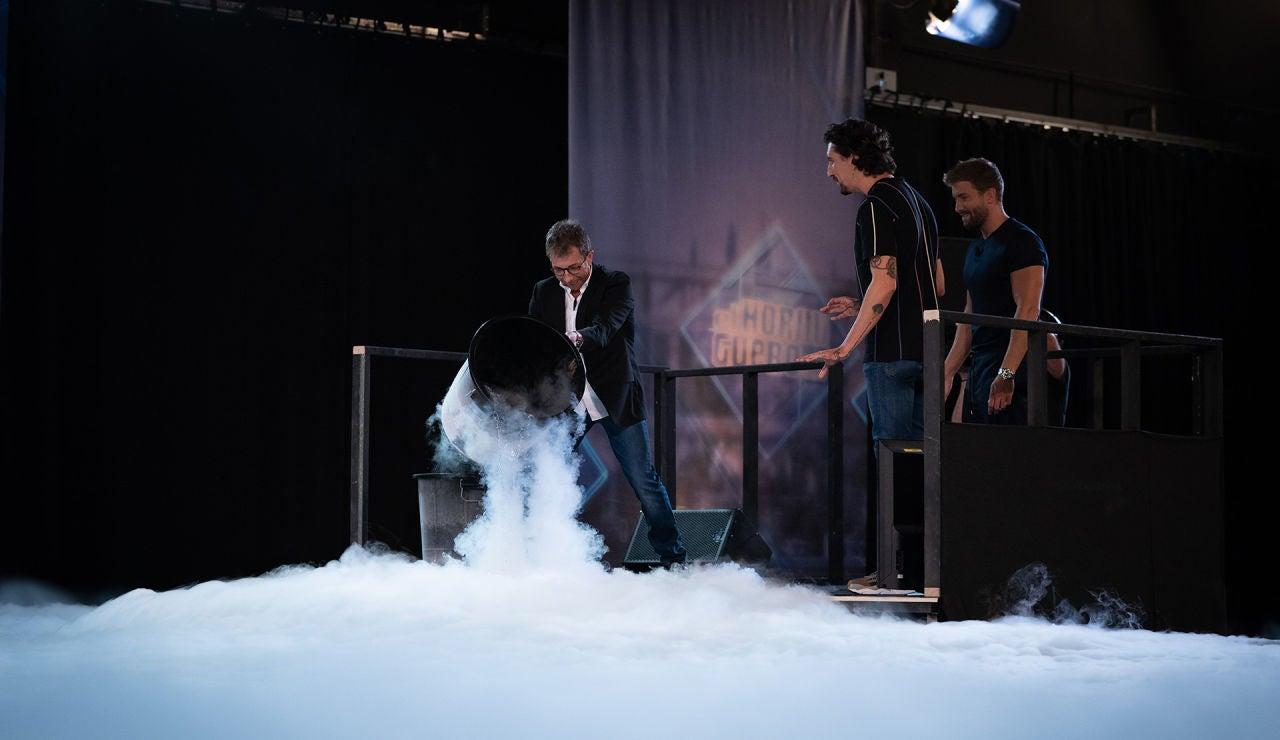 Apuesta en directo en 'El Hormiguero 3.0': ¿quién gana en un cara a cara entre el hielo y el fuego?