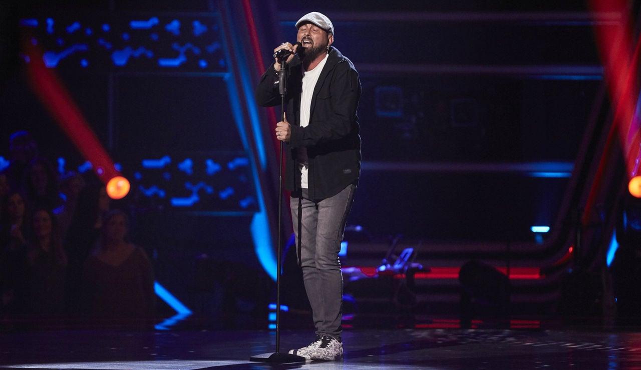 Rufino Oliva, encantador al interpretar 'Espera un momento' de Manuel Carrasco en las Audiciones a ciegas de 'La Voz'