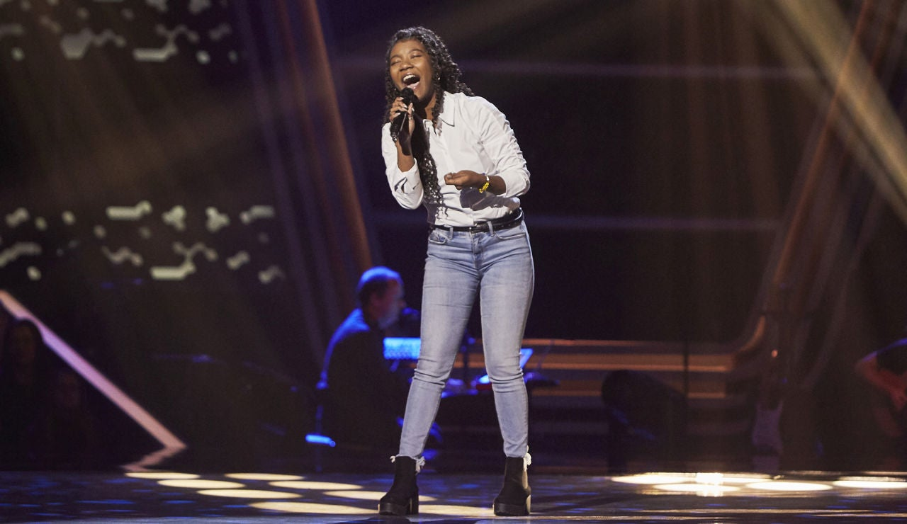 Dayana Emma, sabor latino al cantar 'Cómo fue' en las Audiciones a ciegas de 'La Voz'