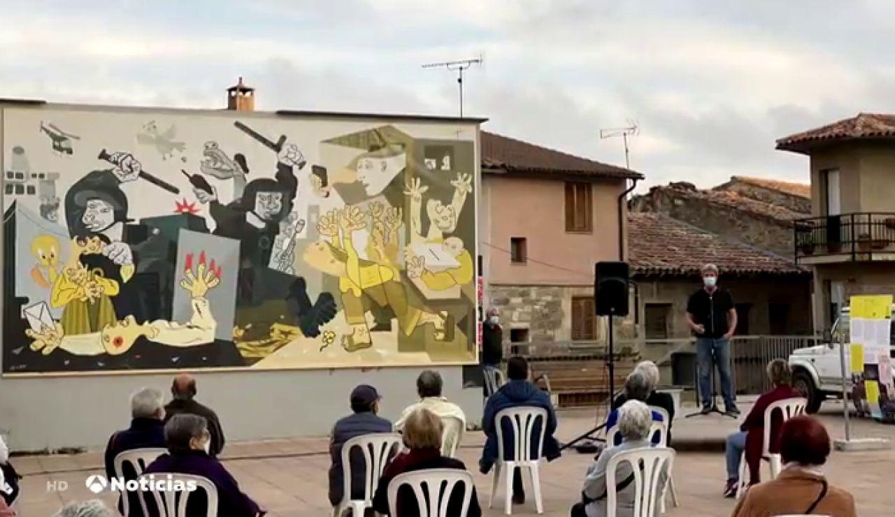 Independentistas catalanes recuerdan el 1-O con una versión del 'Guernica' de Picasso
