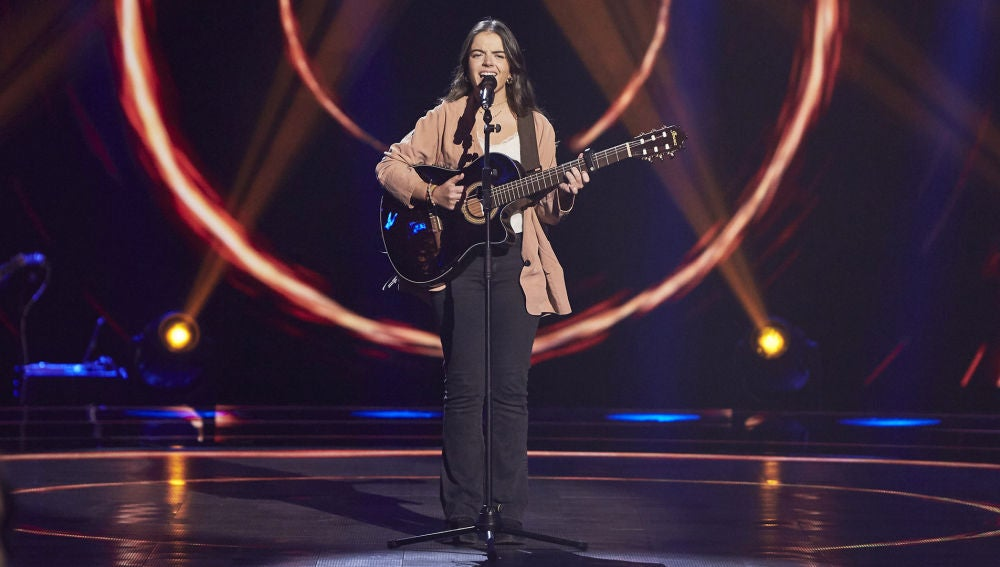 Teresa Palomar, muy original cantando 'Querría' de El Kanka en las Audiciones a ciegas de 'La Voz'