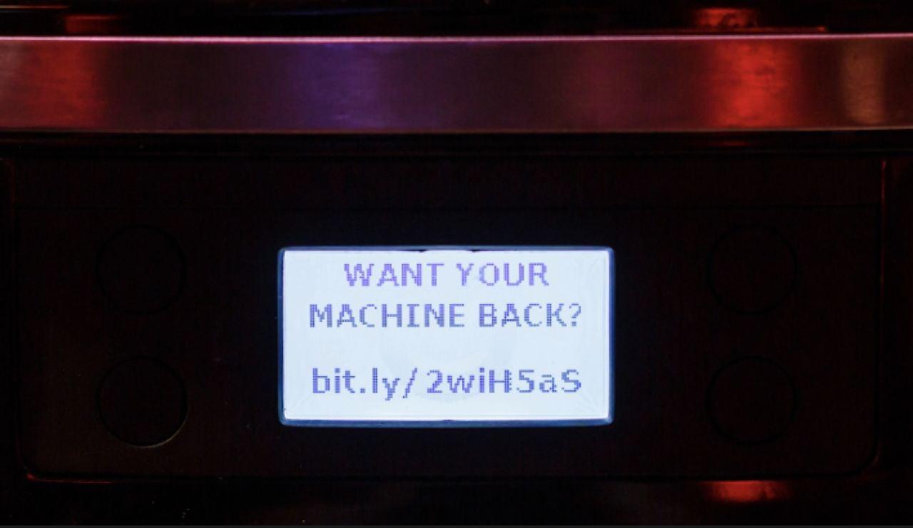 Cafetera inteligente hackeada