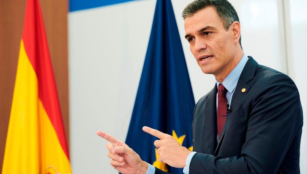 El presidente del Gobierno, Pedro Sánchez, interviene este viernes en rueda de prensa tras la cumbre extraordinaria de la UE celebrada en Bruselas, Bélgica