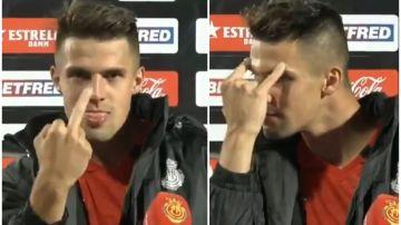 Cazan a un jugador del Mallorca haciendo una peineta antes de una entrevista en directo