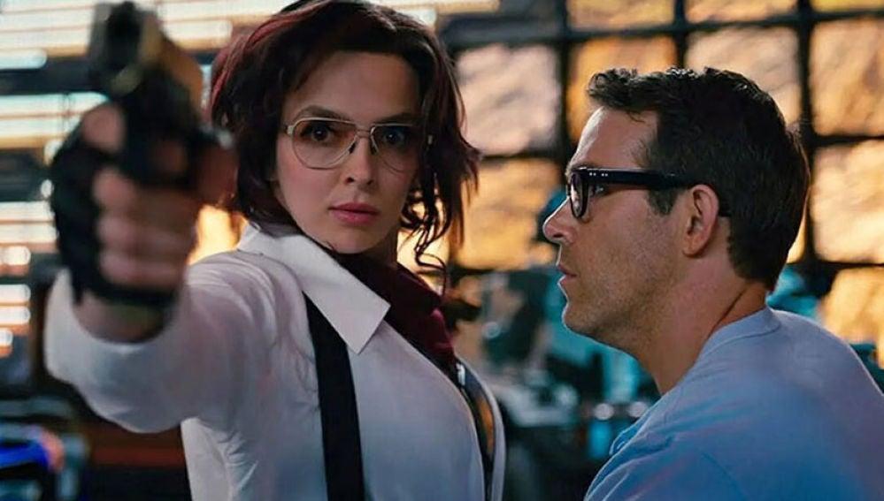 Jodie Comer y Ryan Reynolds en 'Free Guy'