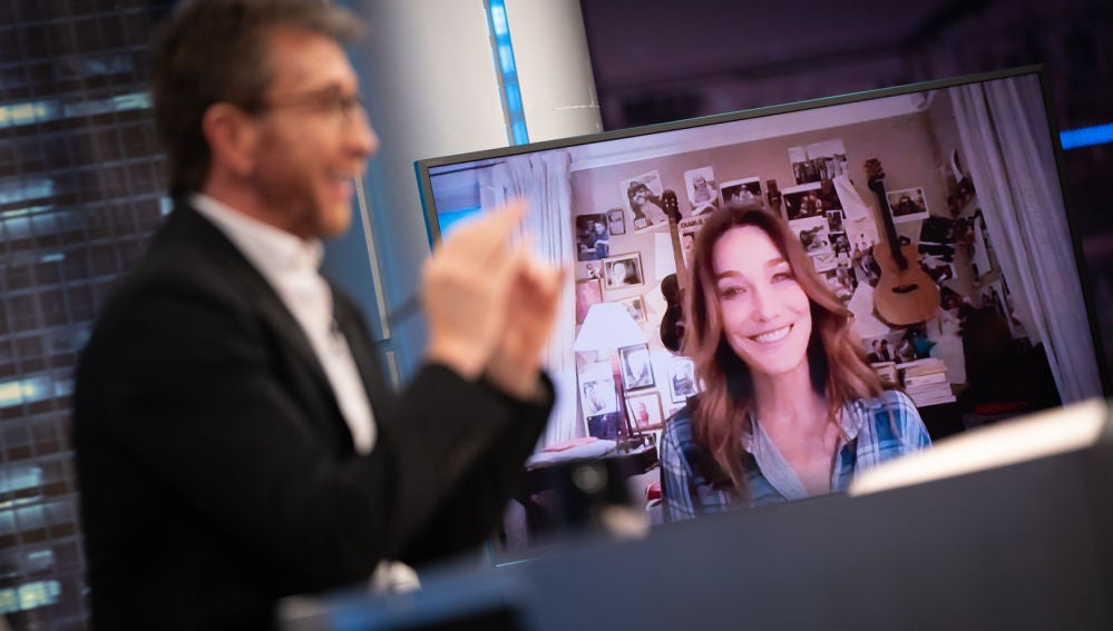 Carla Bruni desvela qué ha aprendido de sí misma tras 14 años de psicoanálisis