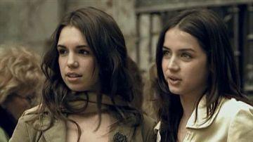 Elena Furiase y Ana de Armas en 'El Internado'