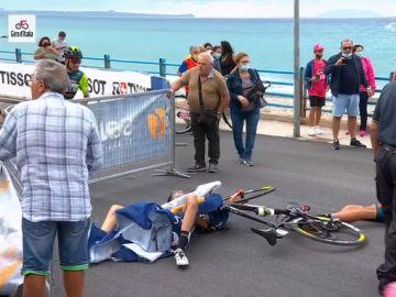 El helicóptero provoca una brutal caída en el final de la cuarta etapa del Giro de Italia