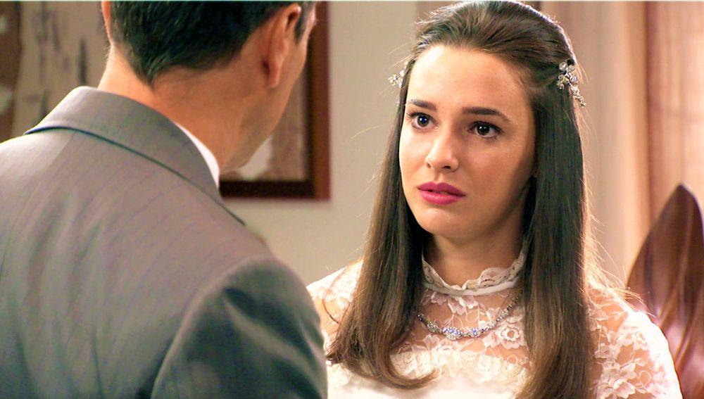 Emma, desbordada de emociones al verse vestida de novia