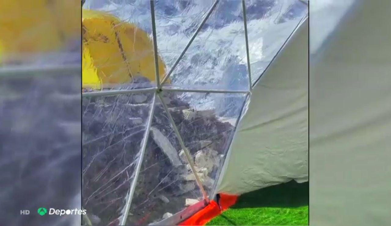 La polémica expedición de dos príncipes de Baréin al Everest con 25 sherpas y tiendas de lujo