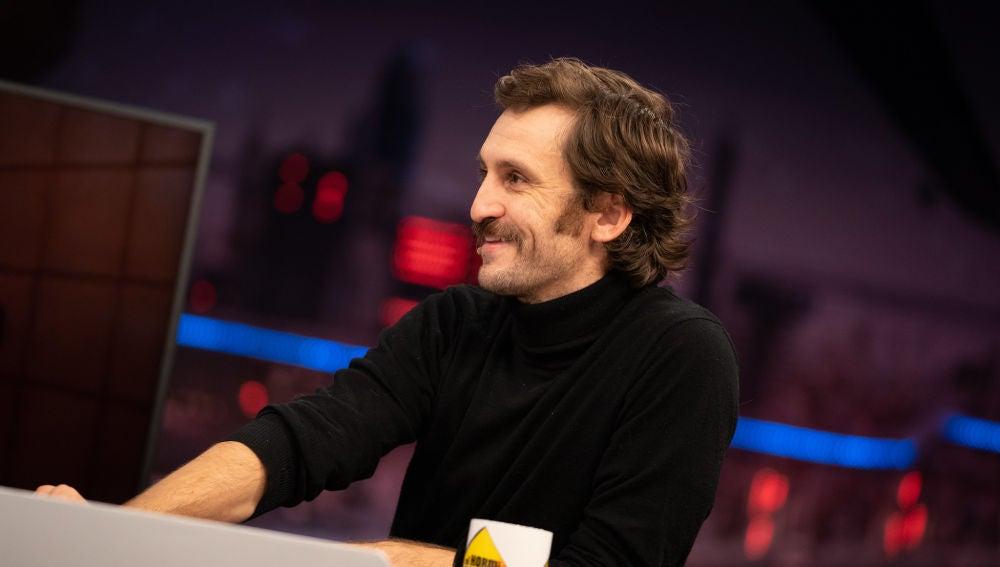 """""""Volaban las sillas"""", la peligrosa anécdota de Raúl Arévalo durante el rodaje de su última serie"""