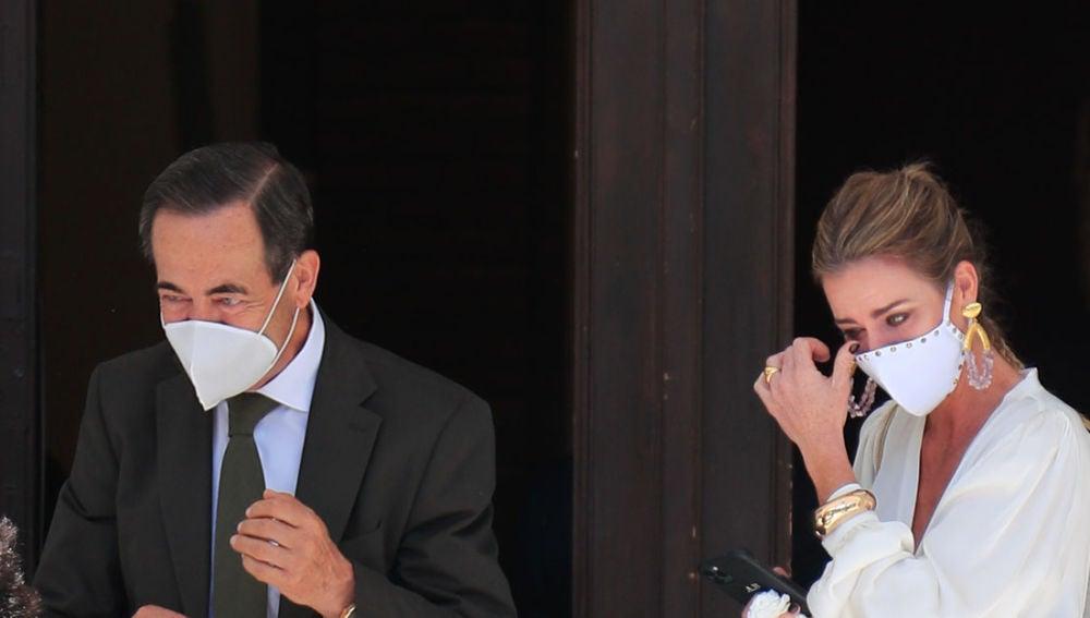 Amelia Bono y su padre, José Bono