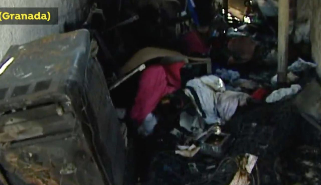 Los vecinos de Cádiar se vuelcan para ayudar a una familia que ha perdido su casa en un incendio
