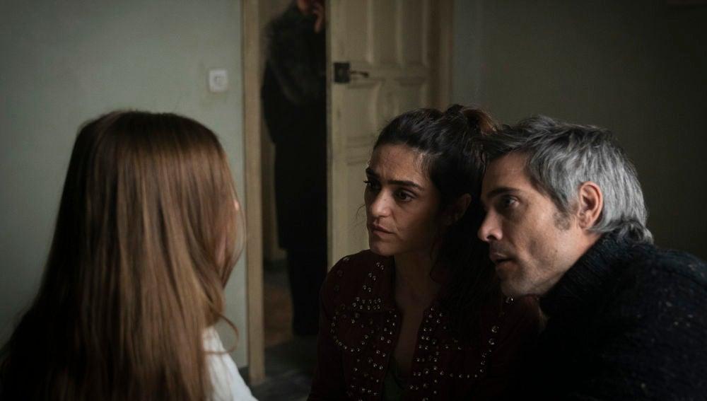 Alma devuelve a Marta, pero sigue negando que supiera nada de los niños