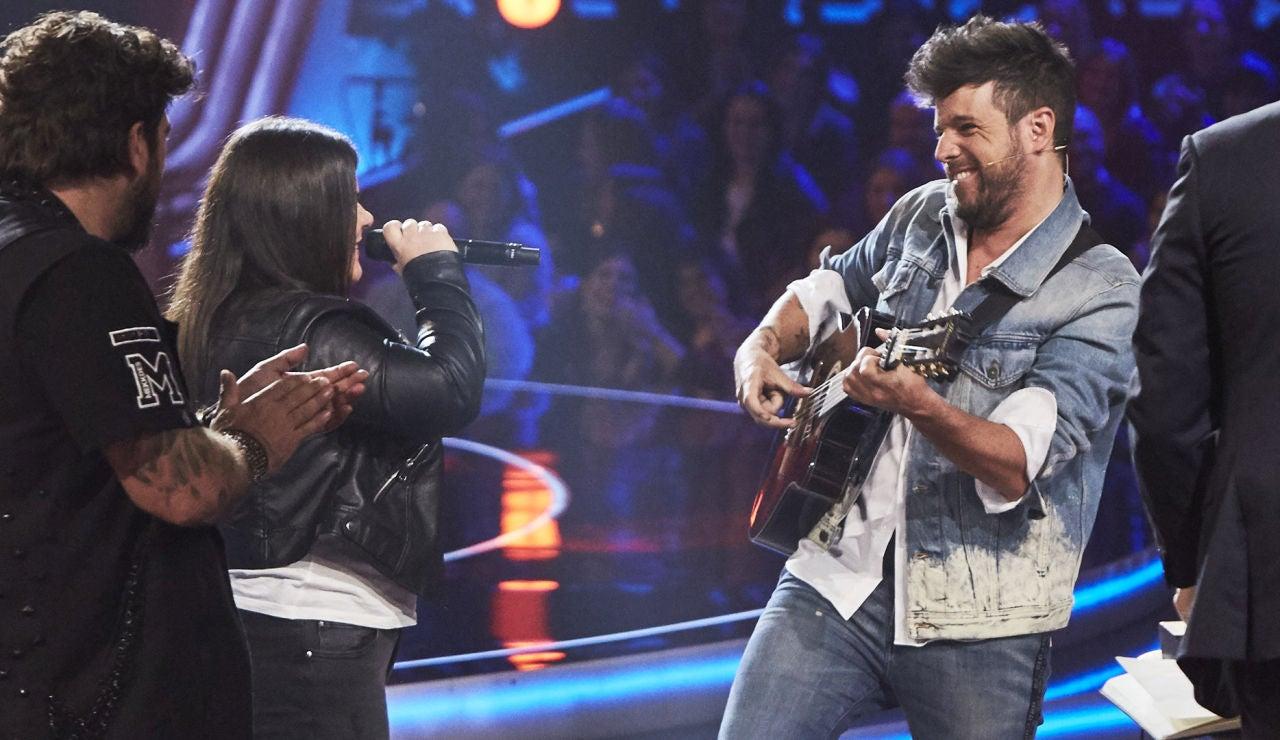 Pablo López y Rocío Acebedo interpretan a dúo el tema 'Remolino' de Pancho Céspedes en 'La Voz'