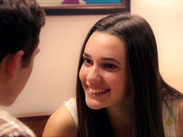El trato entre Emma y Manolín que sentencia su complicidad