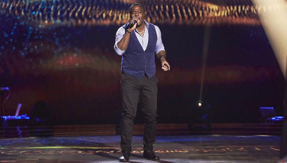 Michael Harding revoluciona el escenario con 'Mustang Sally' en las Audiciones a ciegas de 'La Voz'