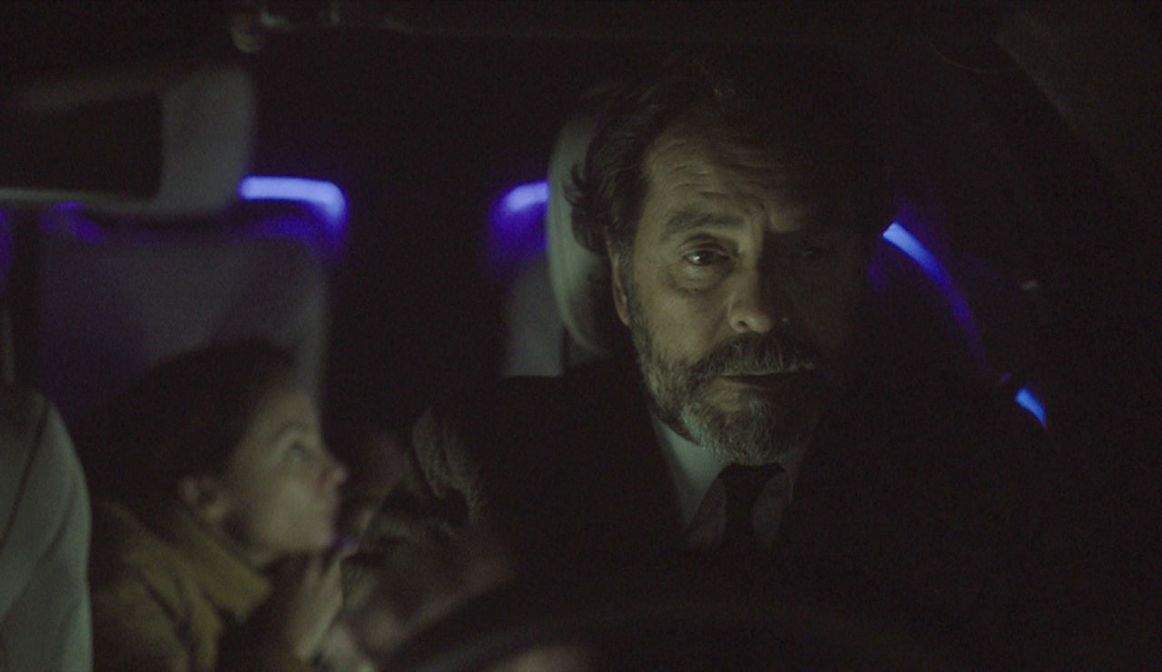 Luis salva a Clara con una traición imperdonable, ¿está dudando del Gobierno?