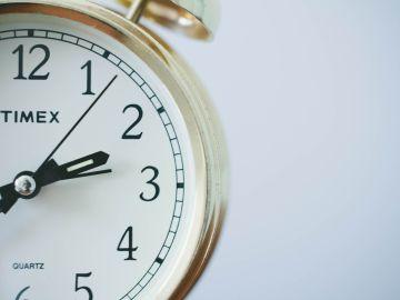 Cambio de hora 2020: Este domingo a las 3 serán las 2