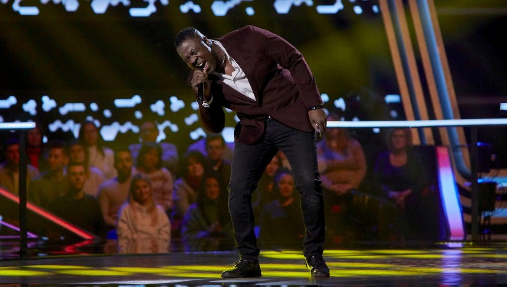 Michael Harding canta 'Let's get it on' en los Asaltos de 'La Voz'