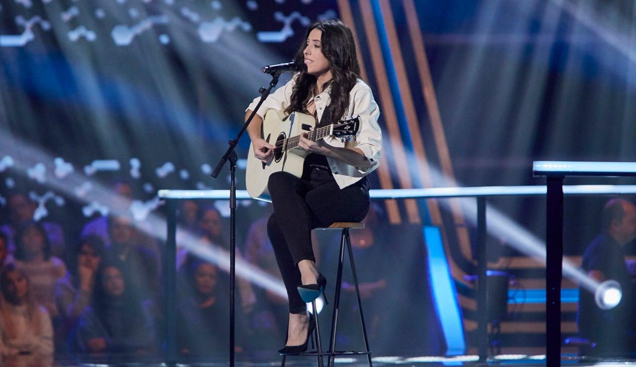 Virginia Elósegui canta 'Casi te rozo' en los Asaltos de 'La Voz'