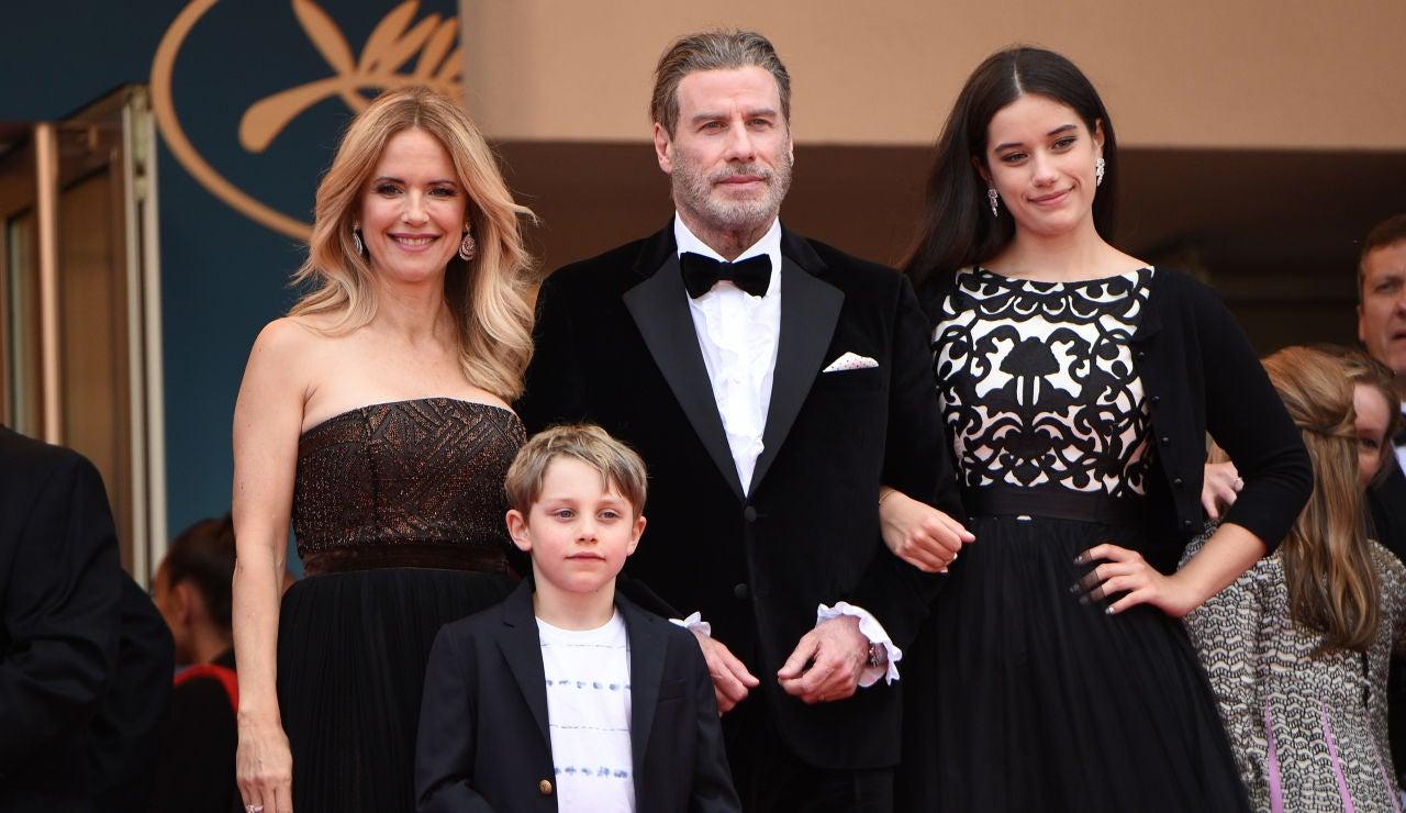John Travolta con su mujer, Kelly Preston, y sus dos hijos Ella y Benjamin