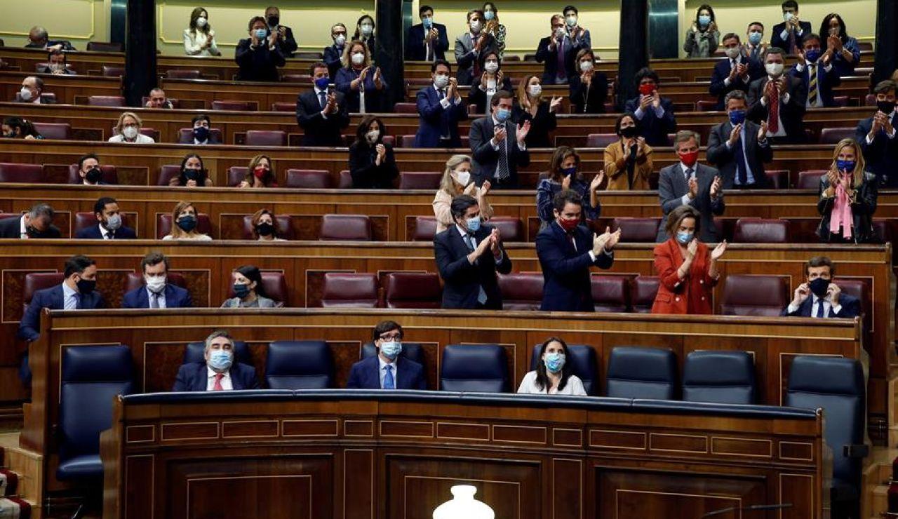 Los barones del PP muestran su apoyo unánime a Pablo Casado en su discurso en la moción de censura de Vox