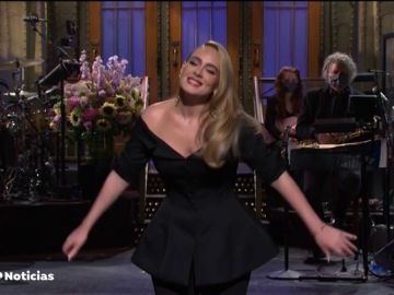 La impactante reaparición de Adele en televisión presentando 'Saturday Night Live'