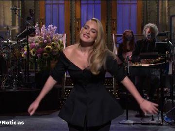 La impactante reaparición de Adele en televisión presentando 'Saturday Night Live'