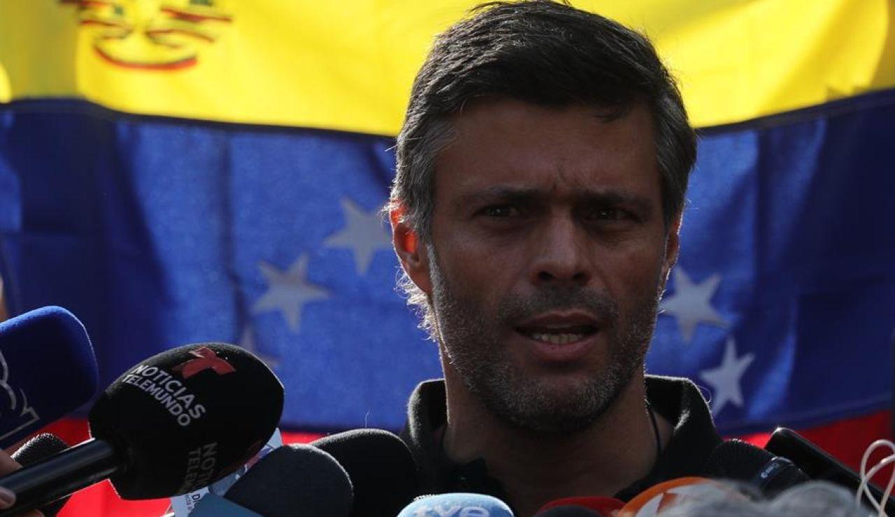 Detienen a un vigilante de la Embajada de España en Venezuela y a una empleada de Leopoldo López