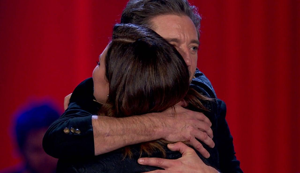 Laura Pausini se rompe al despedirse de los talents de su equipo en los Asaltos de 'La Voz'