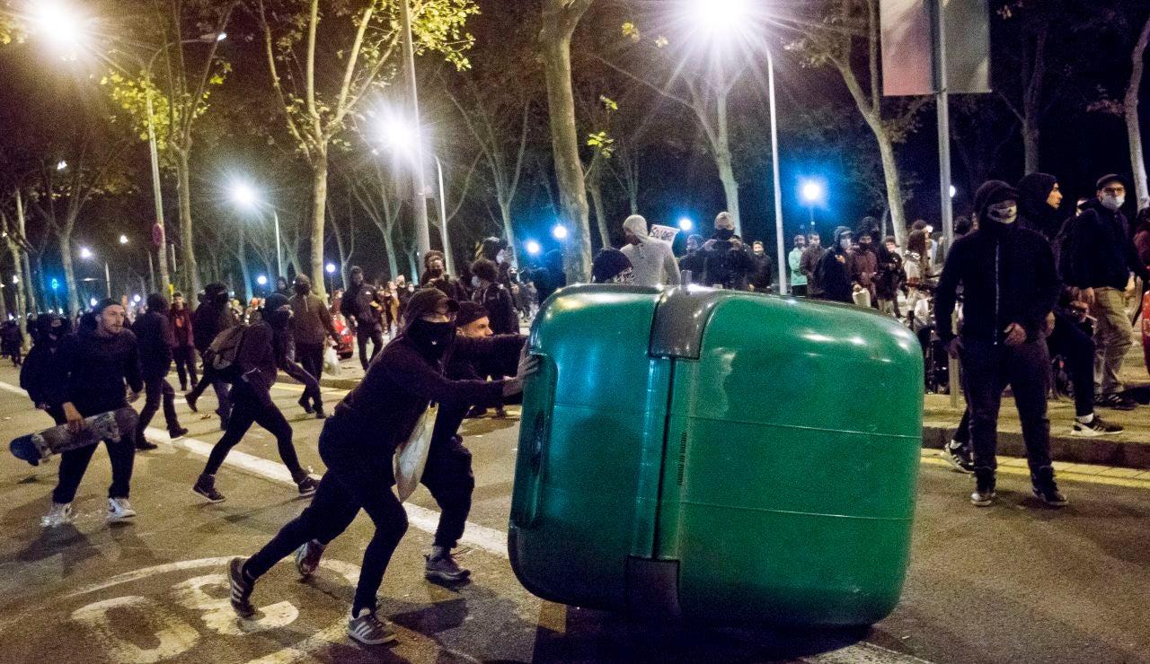 Manifestación contra el toque de queda en Barcelona