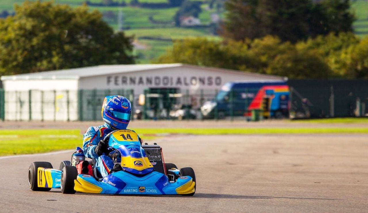 Fernando Alonso, en su circuito en Asturias