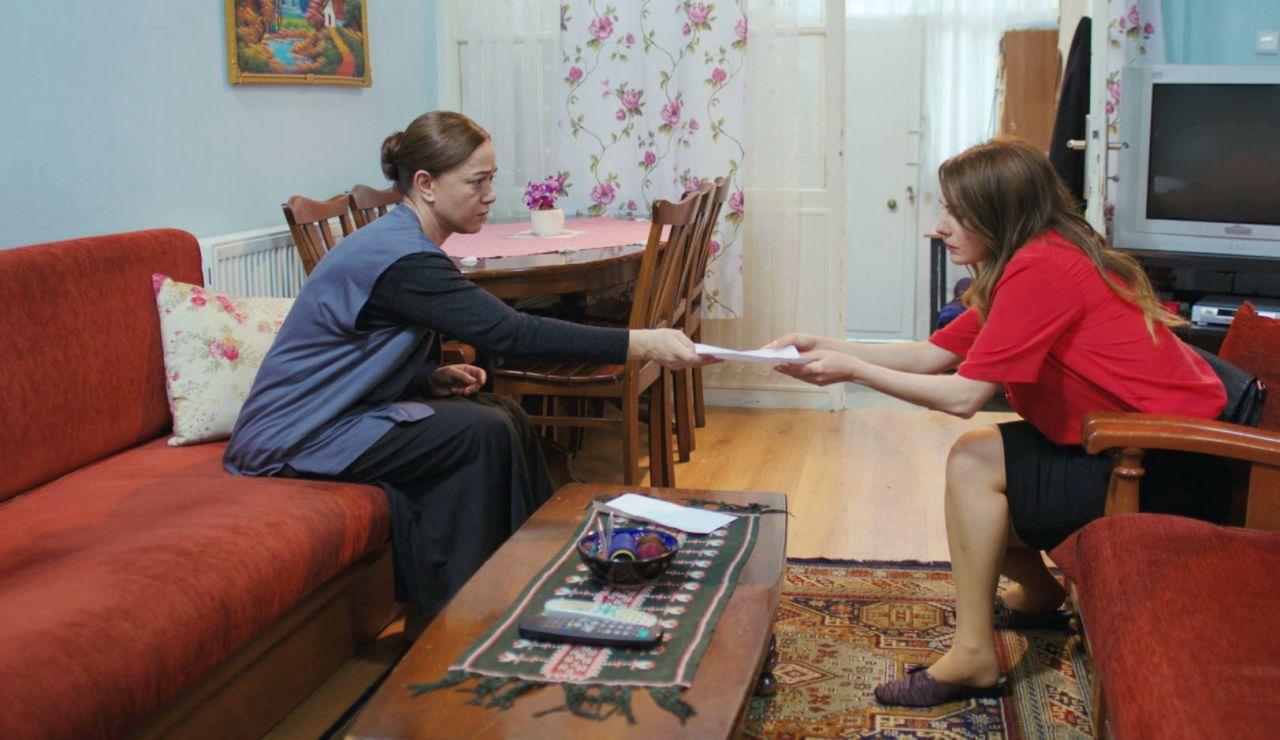 Avance de 'Mujer': Hatice descubre el resultado de las pruebas secretas de ADN