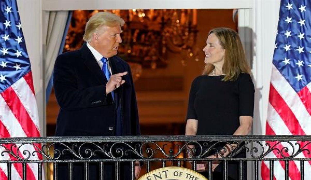 Donald Trump y Amy Barret