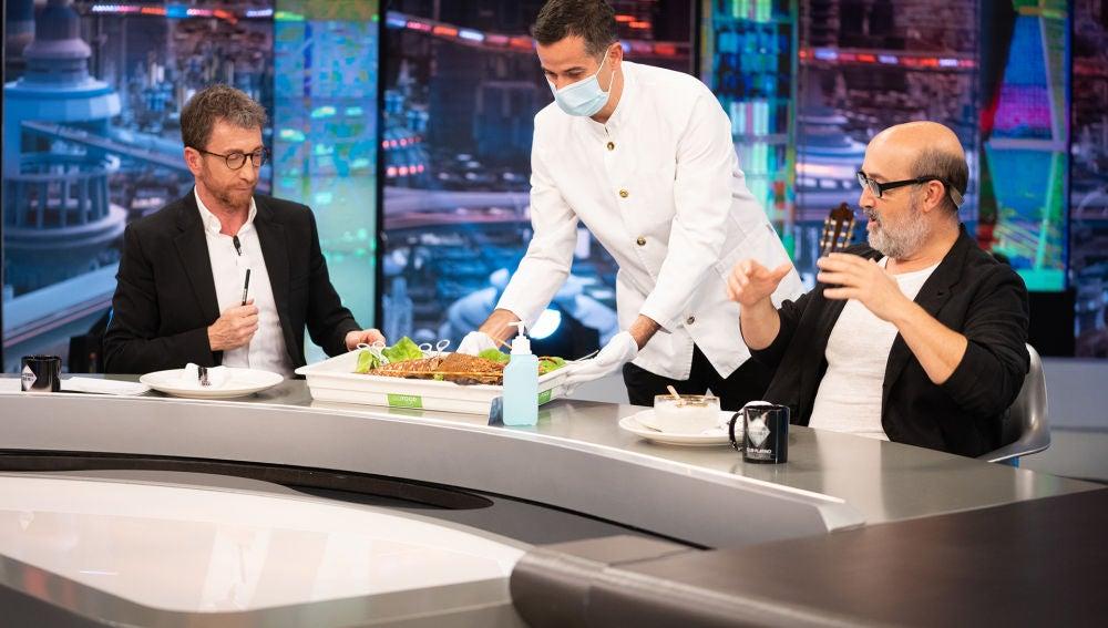 Caviar y langosta, el primer privilegio de Javier Cámara como invitado Platino de 'El Hormiguero 3.0'