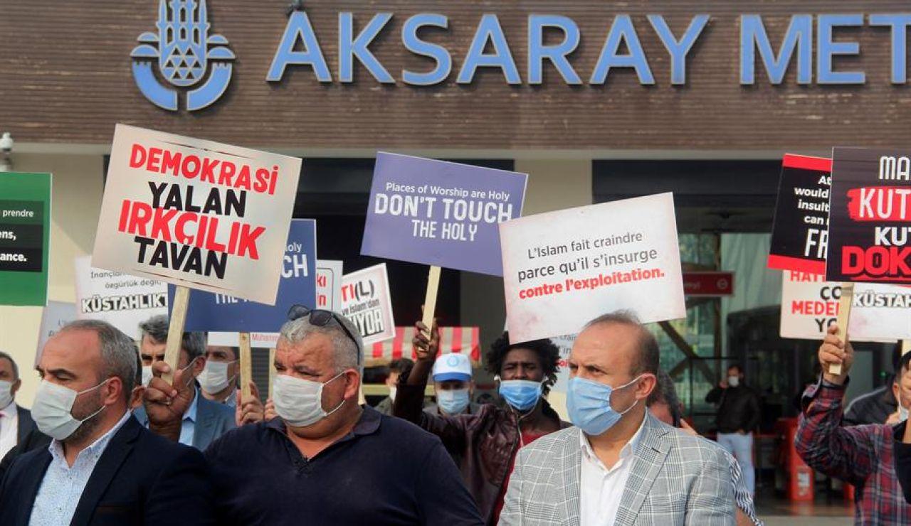 Protestas contra Macron en Estambul