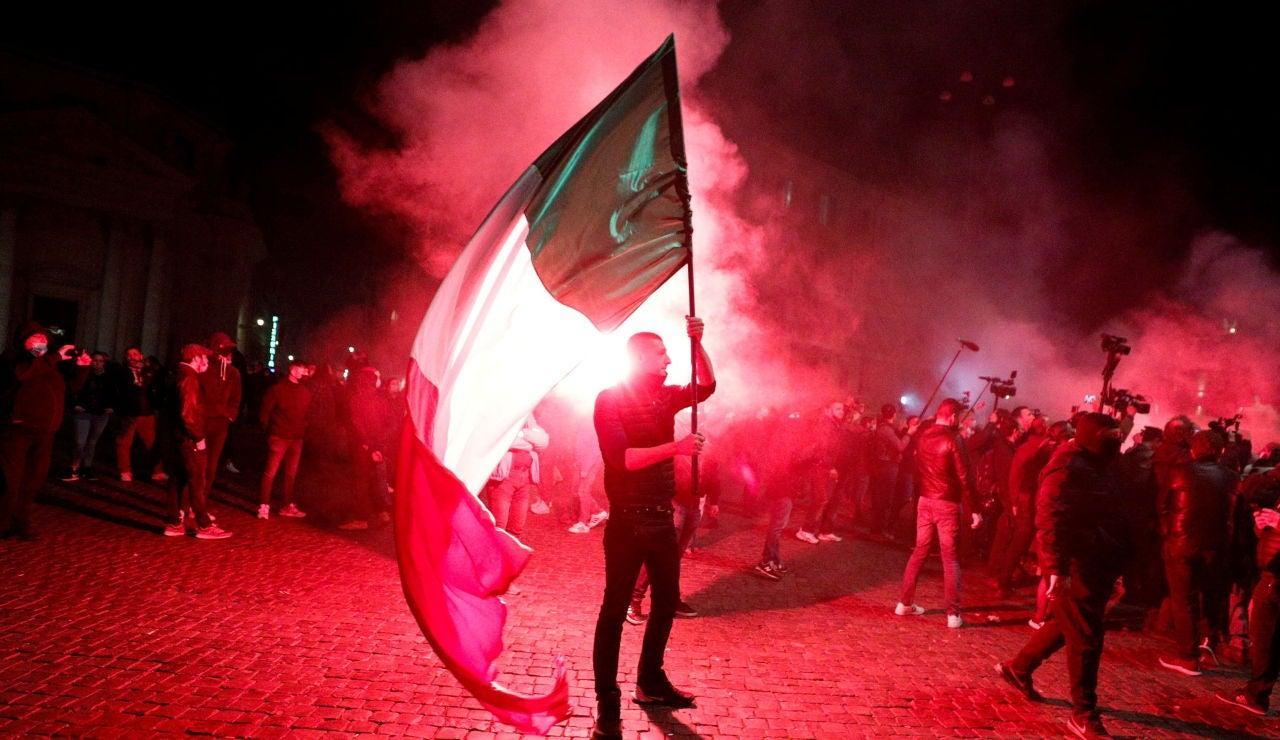 Graves disturbios en Italia en contra de las restricciones por el coronavirus del Gobierno