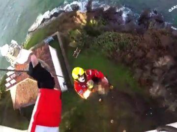 Rescate 'in extremis' a un hombre con múltiples heridas en Cedeira, en A Coruña