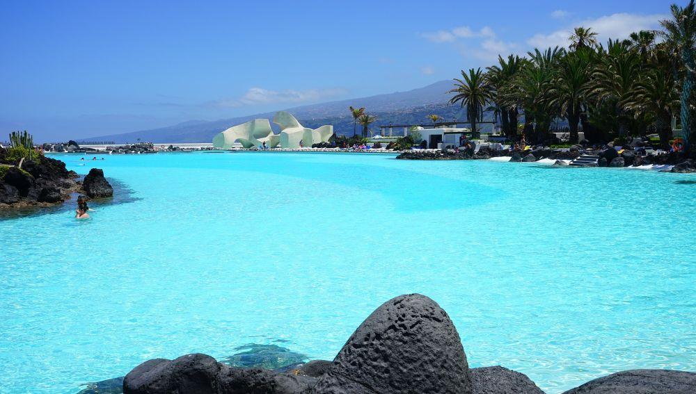 Canarias exigirá prueba PCR a los turistas
