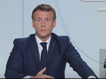 Emmanuele Macron anuncia el confinamiento domiciliario en Francia
