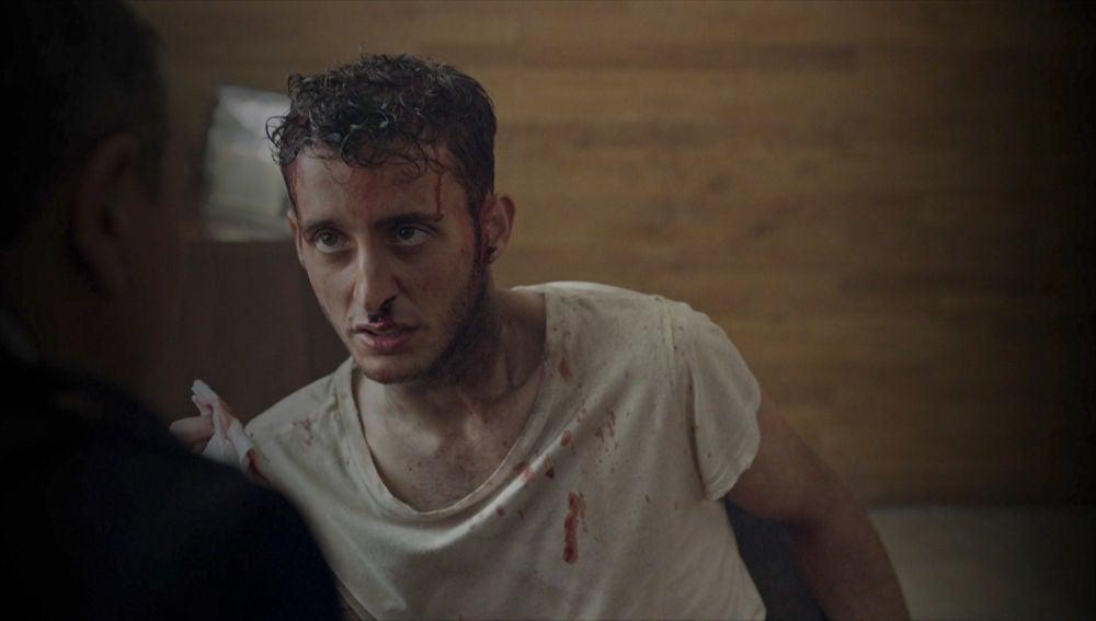 Álex cae en manos del Gobierno para ser torturado, ¿qué quieren de él?