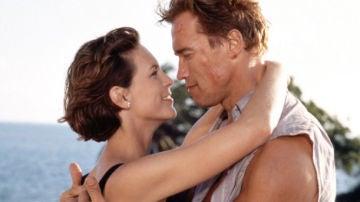 Arnold Schwarzenegger y Jamie Lee Curtis en 'Mentiras Arriesgadas'
