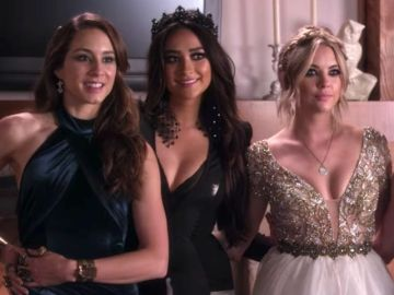 Troian Bellisario, Shay Mitchell y Ashley Benson en 'Pretty Little Liars'