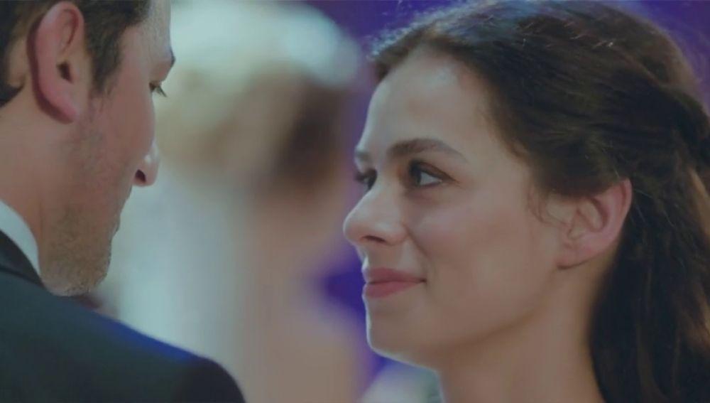 ¿Hay amor entre Bahar y Arif? Analizamos los momentos más románticos de la pareja